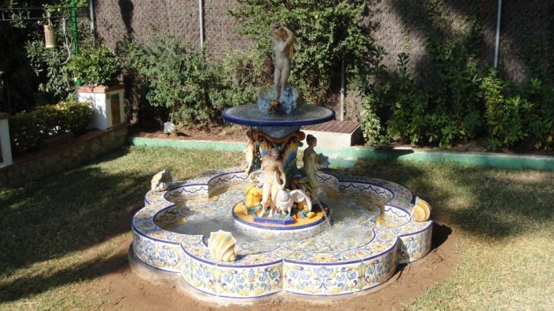 C mo instalar una fuente de agua en el jard n de manera - Fuentes de jardin de pared ...